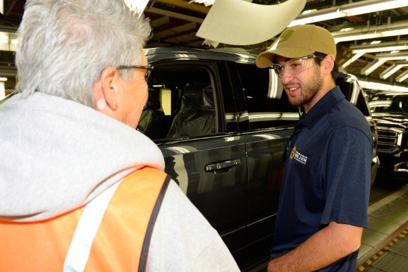 Nascar Driver Chase Elliott Visits Gm Plant In Arlington Texas